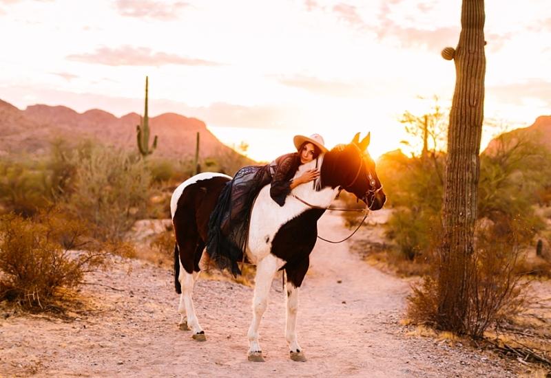 Beth & Nugget | Queen Creek Arizona senior portrait photographer